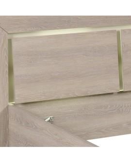 Détail des têtières ajourées avec l'éclairage indirect de la tête de lit LUVIA
