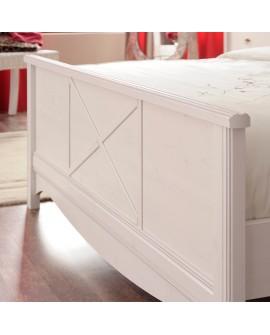 Détail du pied de lit ERINA lit adulte pin blanchi style campagne chic